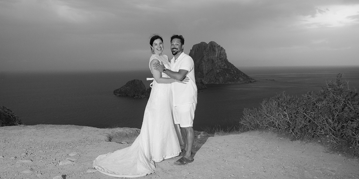The bride and groom at Es Vedra