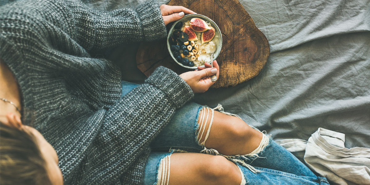 girl eating breakfast for gut health