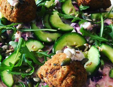 quick fix lunches - A falafel and salad wrap for lunch